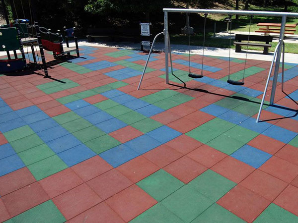 Children Playground Floorings The Rubber Tiles Wet Pour
